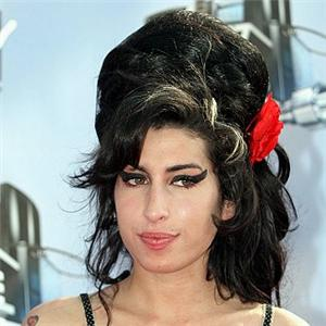Amy Winehouse looking annoyed