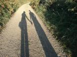 holding_hands_shadow-10622-1