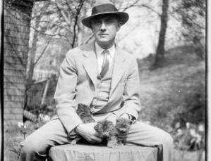 William Carlos Williams knew that petting cats can help reduce heart pressure and significantly relieve stress.