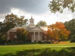 800px-Amherst_College_buildings_-_IMG_6512
